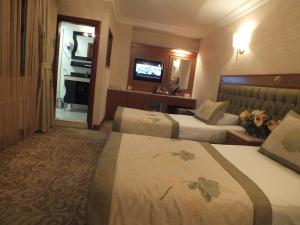 Standard Double or Twin Room Grand Asiyan Hotel