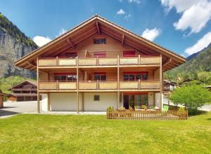 Breithorn Apartment - Private terrace lounge - Free parking&WiFi - self check-in - Hotel - Lauterbrunnen