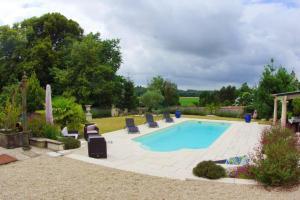Maison d'une chambre a Neuille le Lierre avec piscine partagee jardin amenage et WiFi