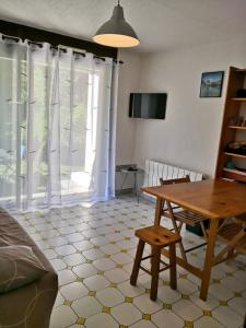Appart RDC 4places+ parking et à 150 M du skyvall - Hotel - Valle du Louron / Loudenvielle