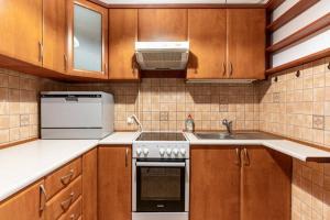 Comfortable And Cozy Golden ApartmentsCity CenterGR1112