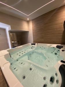 Carcassonne Hotels