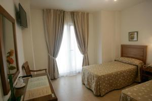Hotel Goartín, Отели  Малага - big - 40