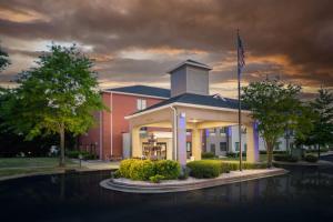 Holiday Inn Express Clayton Southeast Raleigh, an IHG hotel