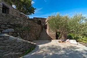 Touchstone House Andros Greece