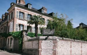 Location gîte, chambres d'hotes La Maison De Lucie dans le département Calvados 14