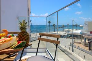 Phaedrus Living: Seaside Luxury Flat Lighthouse 74