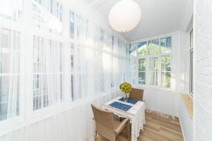 Blue House Veranda Studio by OneApartments