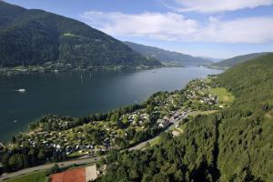 Seecamping Berghof - Hotel - Landskron
