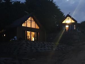 Ostrzycki Las domki nad jeziorem