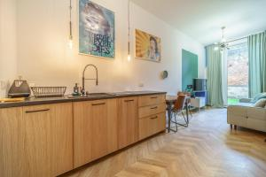 Bright And Spacious Apartment Old Town