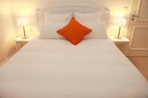 Location gîte, chambres d'hotes Hôtel Le Gentleman dans le département Sarthe 72
