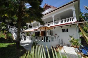 Chrisent Residence
