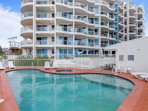 Palm Beach 2 Bedroom Apartment On The Beach