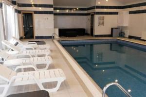 Swimming pool (Villa Baku)