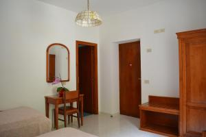 Hotel Maronti, Hotels  Ischia - big - 38