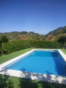 House - 3 Bedrooms with Pool and WiFi - 08522 - Hotel - Colmenar