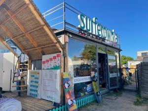 Surf Wioska Jastarnia przyczepa Sun De Miro