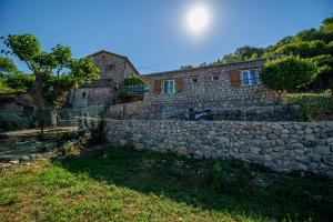 Ethno house OSOBAK