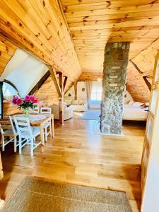OAZA POD STRZECHĄ Klimatyczny dom z 3 sypialniami i pięknym ogrodem