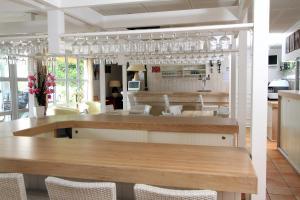 Fasthotel Toulon - La Decapris