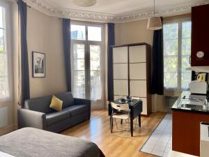 Location gîte, chambres d'hotes Studio Poisson 2 dans le département Paris 75