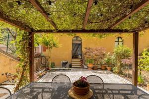 Secret Garden House - AbcAlberghi.com