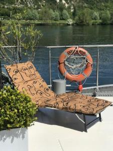 Location gîte, chambres d'hotes Dolce Riva Giverny - Paris Luxury Boat dans le département Eure 27