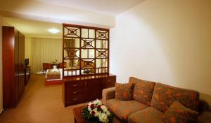 Aquamare Beach Hotel & Spa (9 of 56)