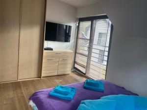 Hire House