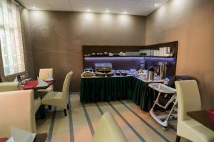 Hotel Fürdőház, Hotely  Nyíregyháza - big - 17