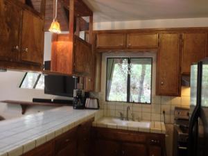 Yosemite Creekside Birdhouse, Ferienhäuser  Wawona - big - 26