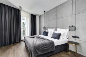 EL Apartments Atlas