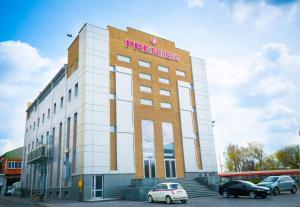 Отель Премьер, Днепродзержинск