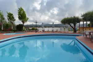 Karavos Hotel Apartments, Aparthotels  Archangelos - big - 54