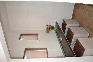 Karavos Hotel Apartments, Aparthotels  Archangelos - big - 63