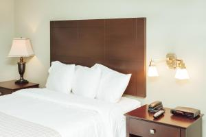 The Grand Hotel Nanaimo In Nanaimo Bc Room Deals Photos Reviews