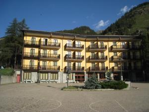 ALBERGO CASALPINA DON BARRA - Hotel - Pragelato