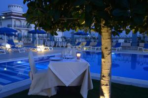 Club Azzurro Hotel & Resort, Szállodák  Porto Cesareo - big - 51