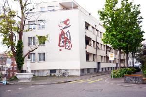 Unique Serviced Living @ Basel SBB station, 4051 Basel