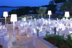 Amfora Hvar Grand Beach Resort, Отели  Хвар - big - 69