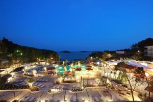 Amfora Hvar Grand Beach Resort, Отели  Хвар - big - 57
