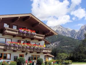 Appartementhaus Schartental - Apartment - Sankt Ulrich am Pillersee