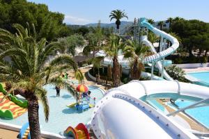 Location gîte, chambres d'hotes Camping Resort La Baume La Palmeraie dans le département Var 83