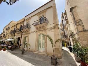 Palazzo San Martino Luxury Apartments - AbcAlberghi.com