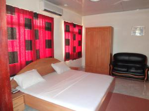 Gussys Hotel Ltd, Hotel  Tema - big - 2