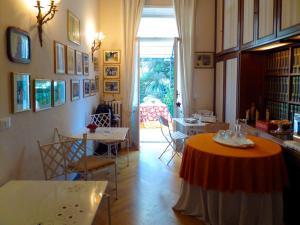 La Casa di Anny, Отели типа «постель и завтрак»  Диано-Марина - big - 24