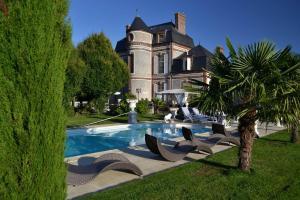 Location gîte, chambres d'hotes Chateau du Mesnil dans le département Eure 27