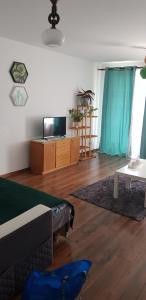 New Apartment 10 min to train station