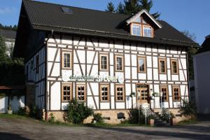 Gasthof zur Post - Burbach
